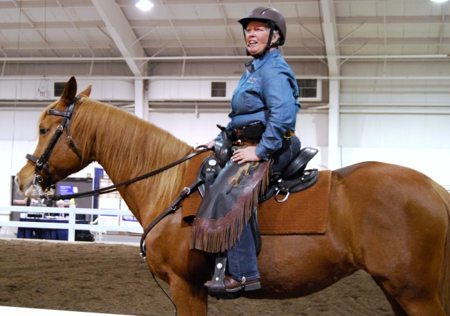 ImagElaine Ward demonstrated how to build a performance horse