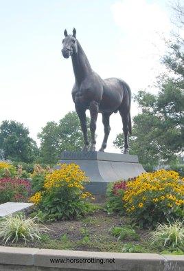 2man-o-war-sculpture-kentucky-horse-park